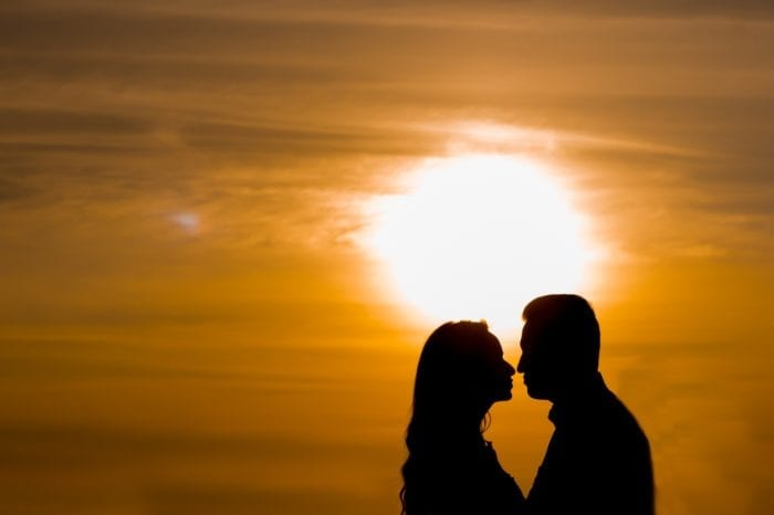 romantic love dp for whatsapp